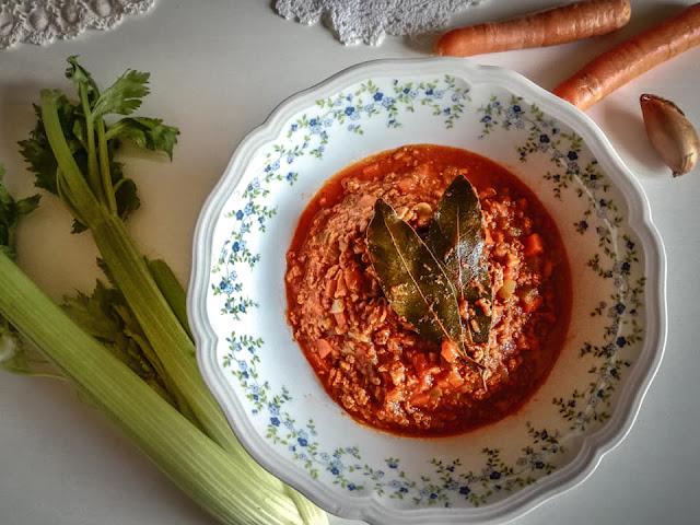 Salsa al ragù pronta per le lasagne