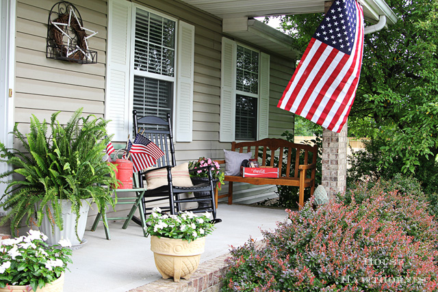 patriotic-porch