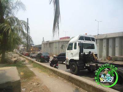 FOTO 1 : Kemacetan di Pembangunan Jembatan Jalan Cakung-Cilincing