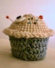 http://translate.google.es/translate?hl=es&sl=en&tl=es&u=http%3A%2F%2Fdiyods.blogspot.com.es%2F2014%2F02%2Famigurumi-cupcake-pattern.html&sandbox=1