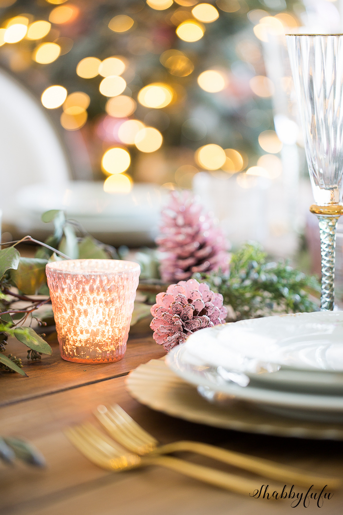 beautiful-blush-pink-christmas-tablesetting