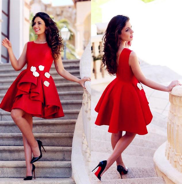 Vestido Vermelho Vivo com Apliques Florais