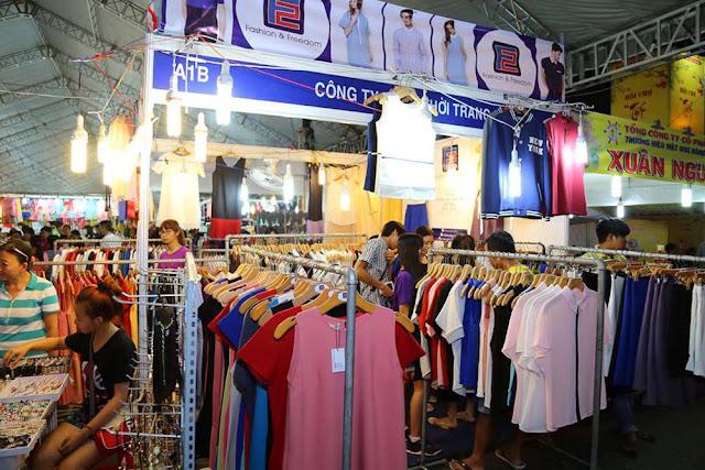 Shop bán quần áo nữ tại Chợ