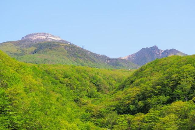 つつじ吊橋からの那須岳(茶臼岳・朝日岳)