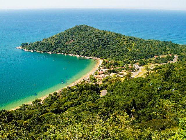 praia de Laranjeiras Santa Catarina