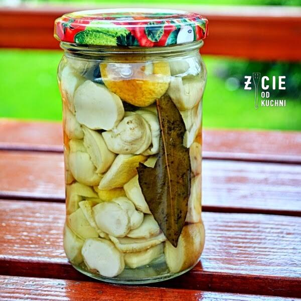 grzyby marynowane, pazdziernik sezonowe owoce pazdziernik sezonowe warzywa, sezonowa kuchnia, pazdziernik, zycie od kuchni