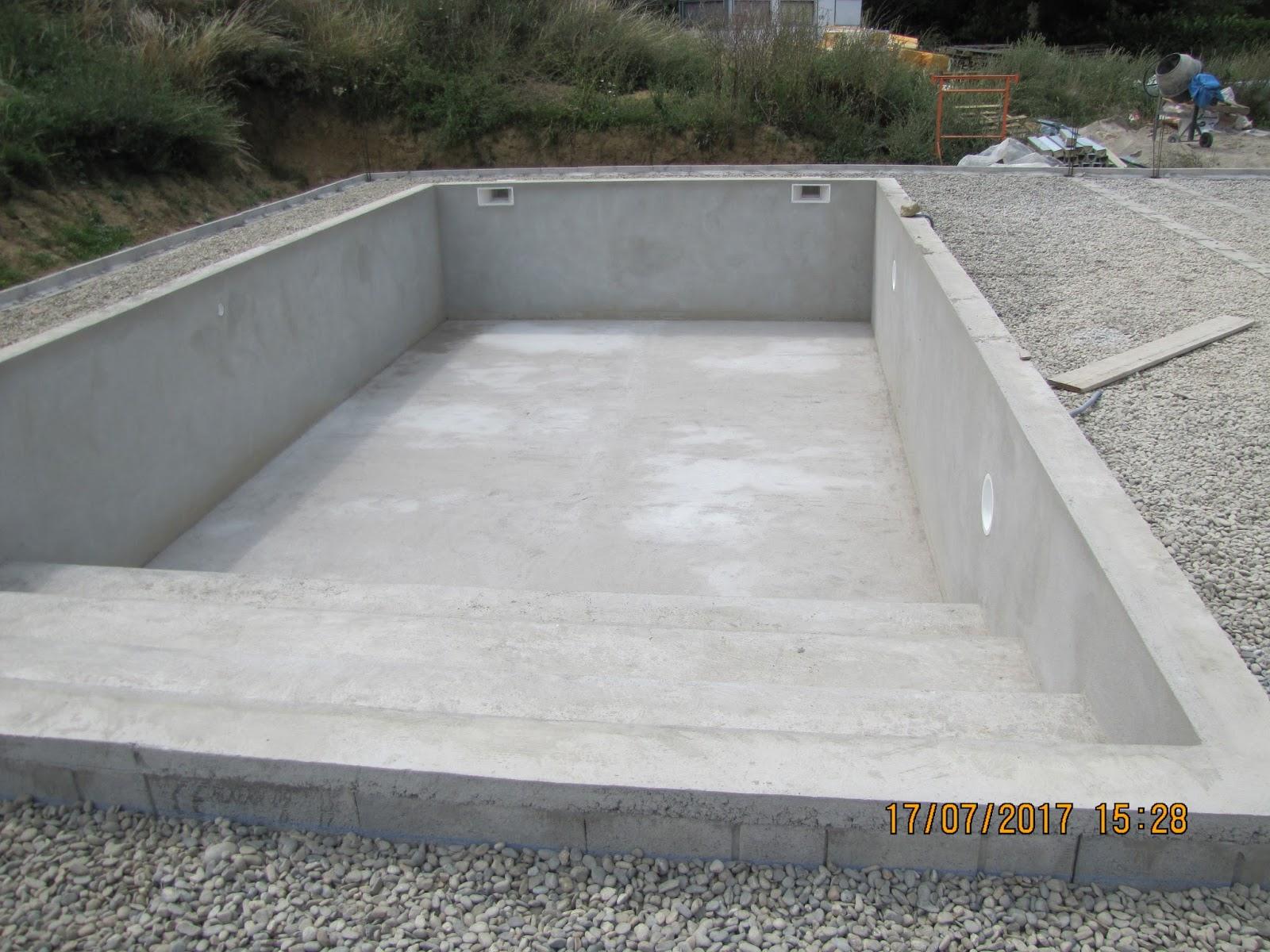 Une maison passive en midi pyr n es piscine et ext rieurs for Piscine ouverte le 11 novembre