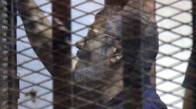 Tribunal de cassação do Egito anulou uma sentença de morte contra o presidente deposto do país, Mohamed Morsi e ordenou um novo julgamento, de acordo com relatórios