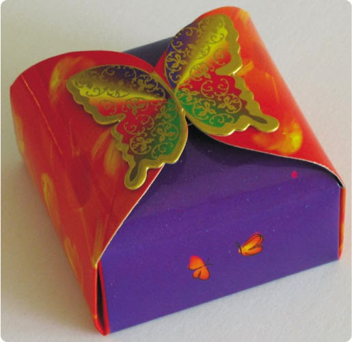 Free Printable Box with a Butterfly Close.