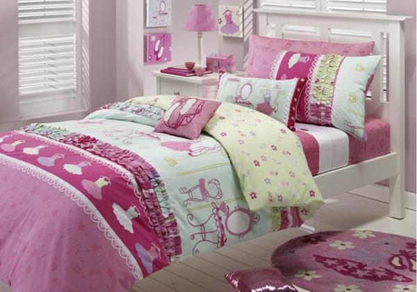 Simple Bedroom Design for Minimalist Girls