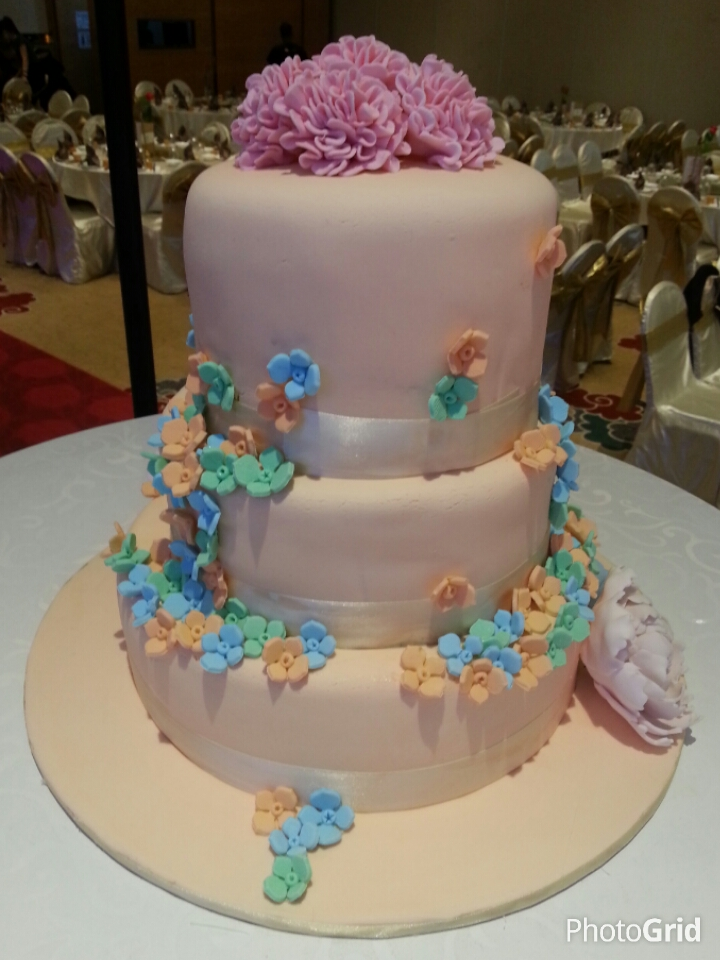 home baked wedding cakes eunice home bake klang 3 tier wedding cake with flowers 15276