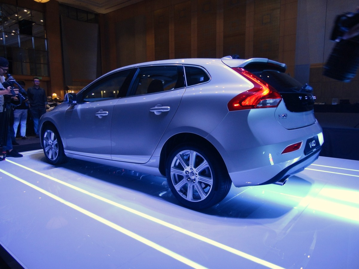 The v40 t5 inscription is very attractively priced at rm180 888 on the road without insurance inclusive of six per cent gst