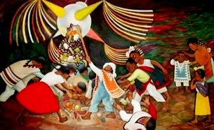 Personas difrutando de la piñata en Navidad