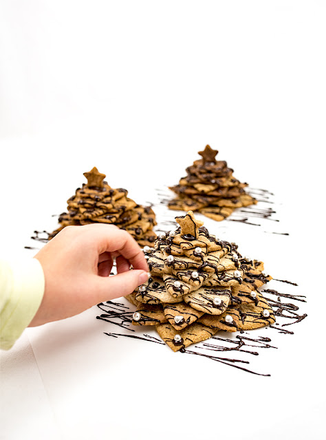 3D cookie christmas tree - almond and chocolate perls