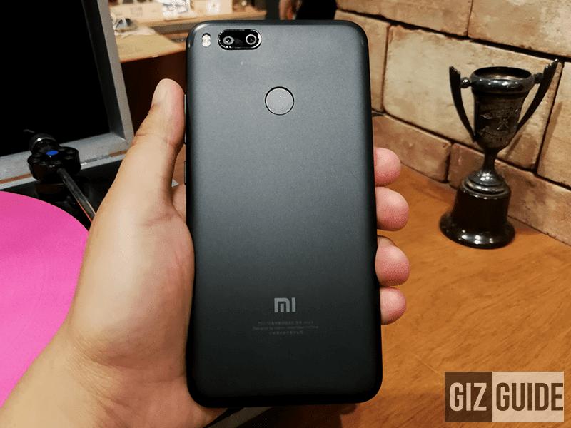 Xiaomi Mi 5X behind