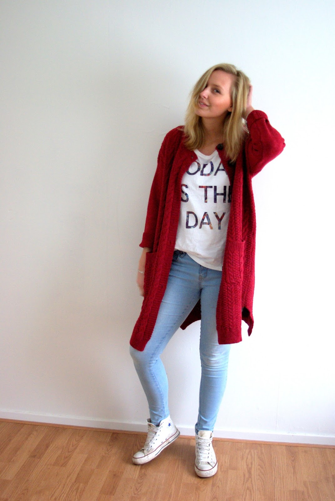 OUTFIT | CHUNKY RED KNITTED CARDIGAN