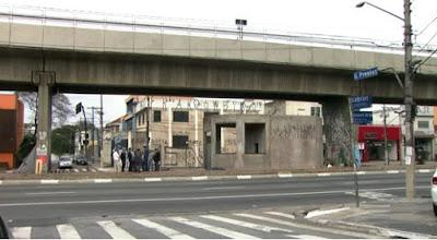 Comerciantes reclamam que base feita para Guarda Civil Metropolitana está abandonada