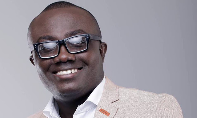 Bola Ray Announces Biography In August