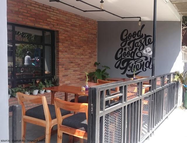 Ruang Tengah Cafe