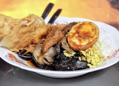 Kuliner Nasi Cumi Pasar Atom di Surabaya Yang Mantab
