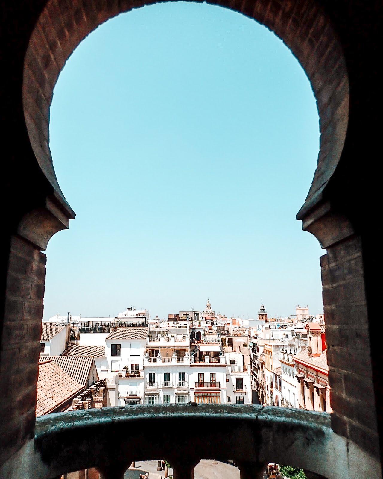 giralda-architecture-vue-panoramique-séville