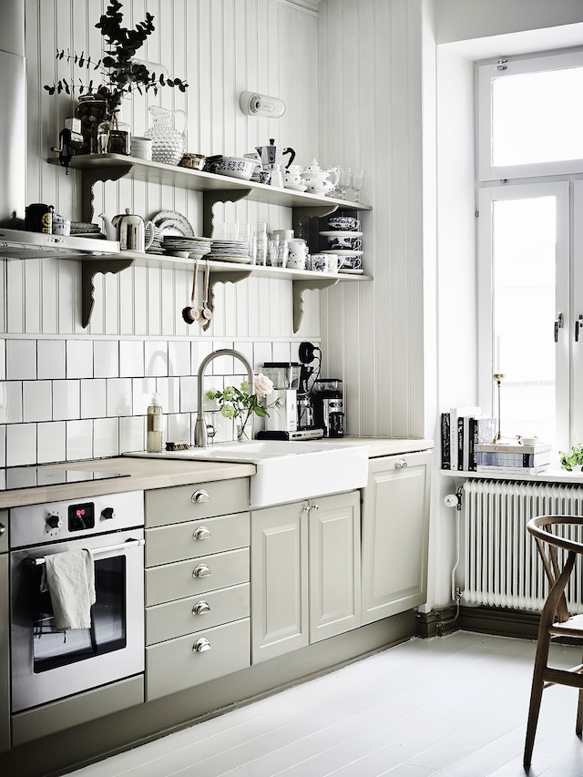 A Lovely Mix Of Modern And Vintage In A Swedish Home My