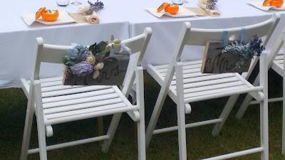 Detalle de las sillas de los novios