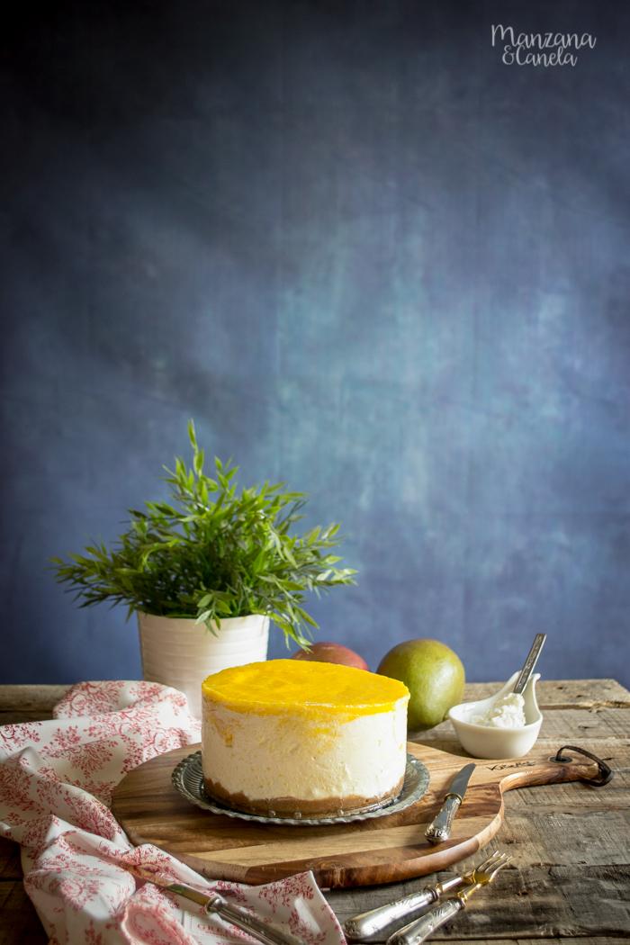 Tarta helada de queso y mango. Receta con Mesura, sin azúcar refinado.