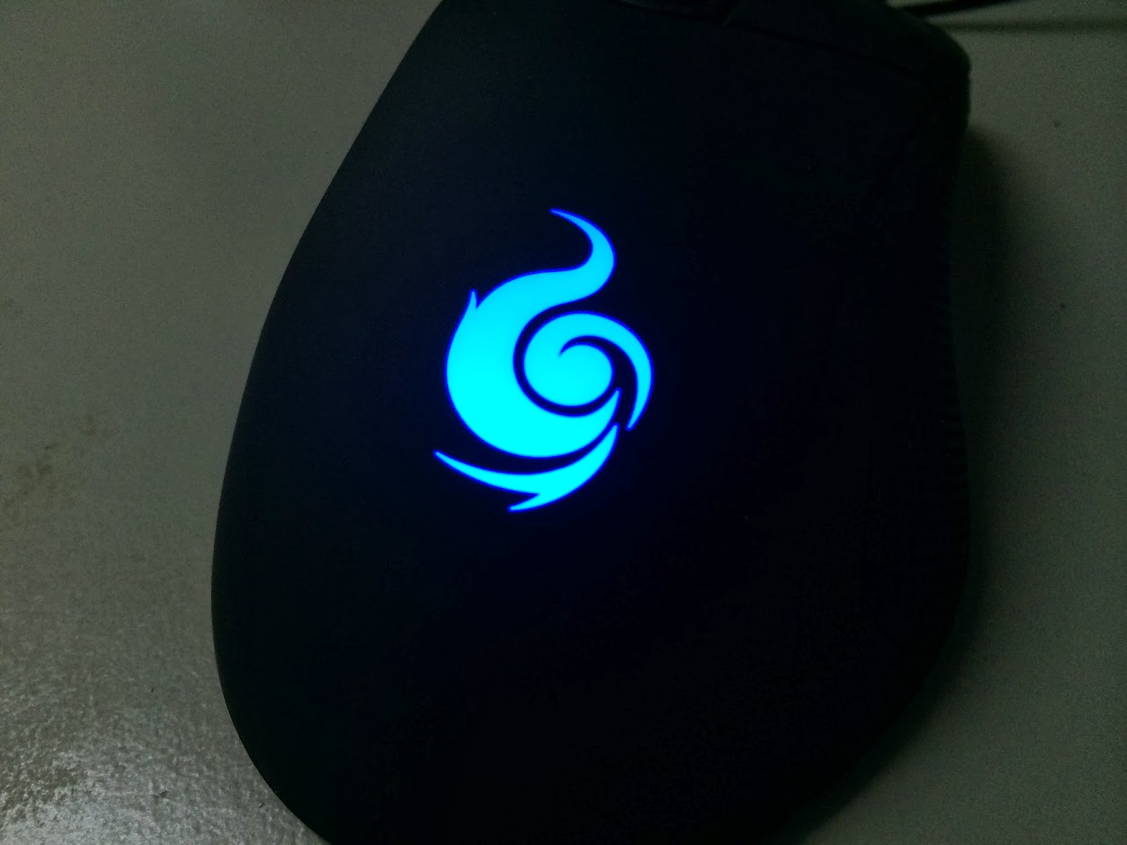 A Sneak Preview On The CM Storm Mizar Laser Gaming Mice 7
