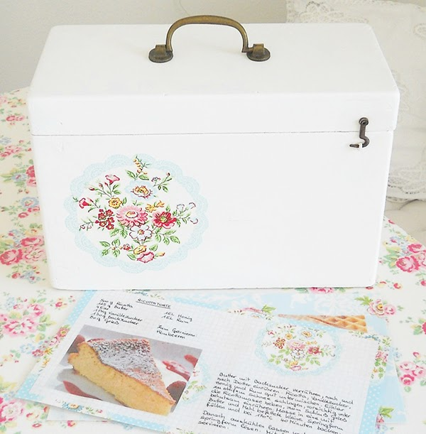 Painted and decoupaged vintage recipe card box with greengate napkins