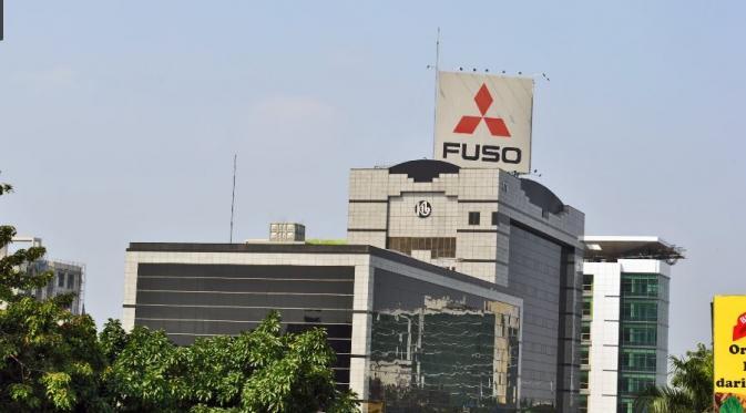 Mitsubishi Indonesia Dapat Penghargaan dari Gubernur DKI