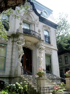 Francis J. Dewes mansion Chicago
