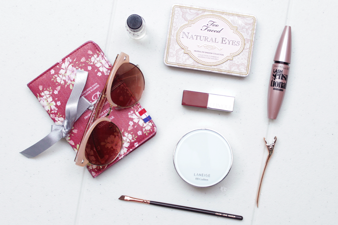 Beauty product essentials to keep my skin alive in the wintry season of Seoul.