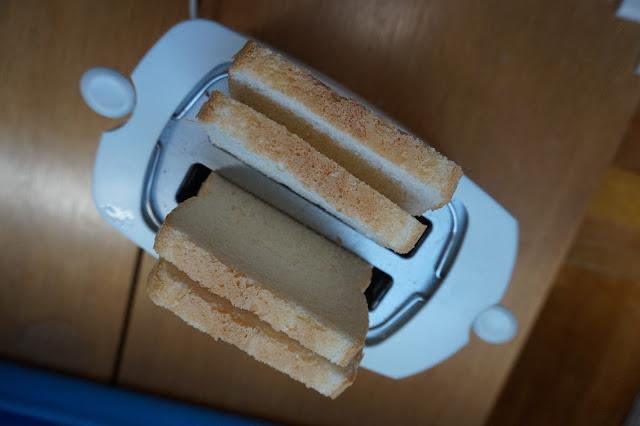 Cómo tostar pan para para preparar sandwiches jugosos.