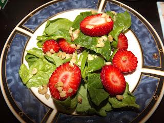 Spinach Strawberry Walnut Salad