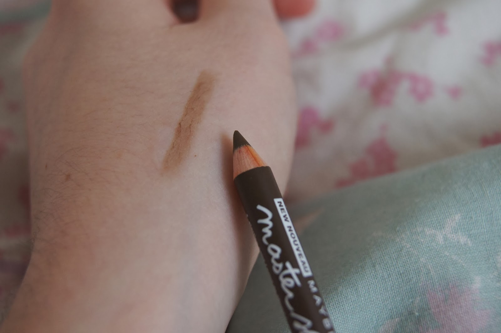the white march beauty fashion lifestyle maybelline master shape brow pencil in soft brown