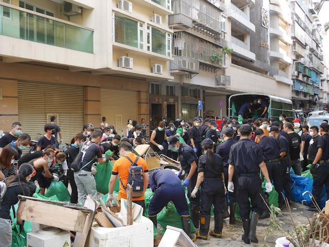 Cleanup from Typhoon Hato on Rua de João de Araújo