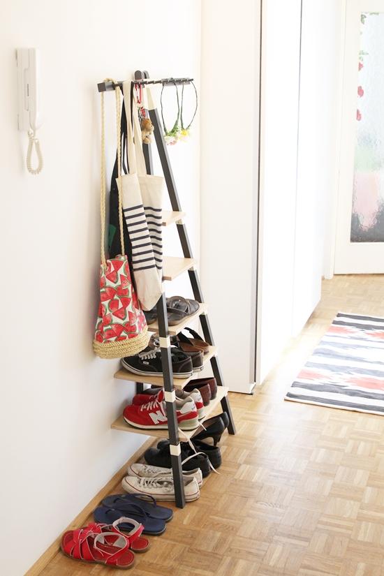 schrank zum staubsauger verstauen wohn design. Black Bedroom Furniture Sets. Home Design Ideas