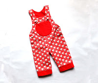 http://www.thediyfox.com/2016/01/christmas-dungarees.html