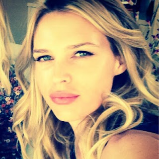 Sara Foster siblings, husband, erin, movies and tv shows, hot, tommy haas, age, wiki, biography