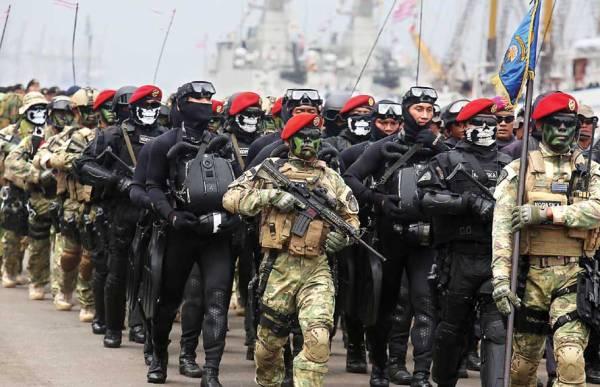 Pasukan Kusus Siap Menyergap Lima Kapal Perang Merapat Ke Perbatasan Indonesia-Filipina