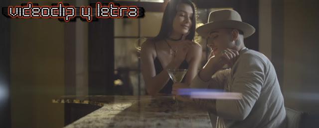 Sin Bandera feat Maluma- Sobre mí : Video y Letra