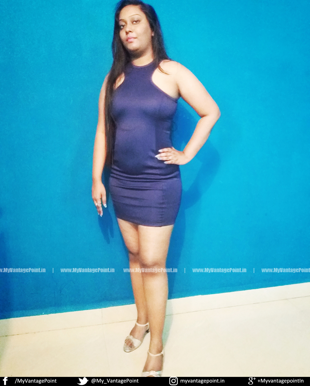 Agnessa Raman in blue dress, Agnessa Raman hot legs