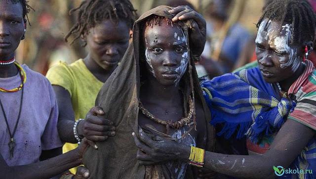 10 шокирующих seксуальных традиций племен и народов мира