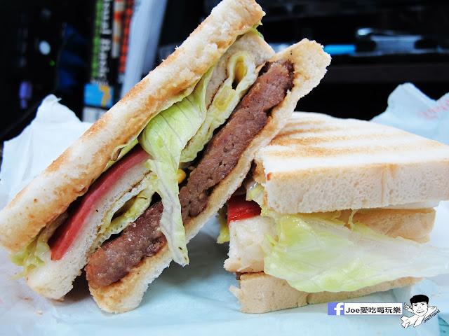 IMG 4835 - 【台中美食】胖丁 碳烤三明治 位於惠中路上的胖丁炭烤三明治,每個三明治都有花生醬、生菜、火腿、玉米蛋滿滿都是料