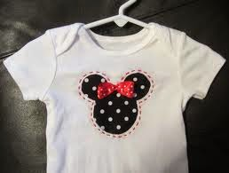 camiseta con reverse applique