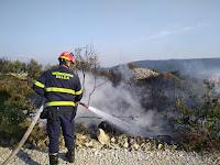 Požar na području Povlja - Točinjak slike otok Brač Online