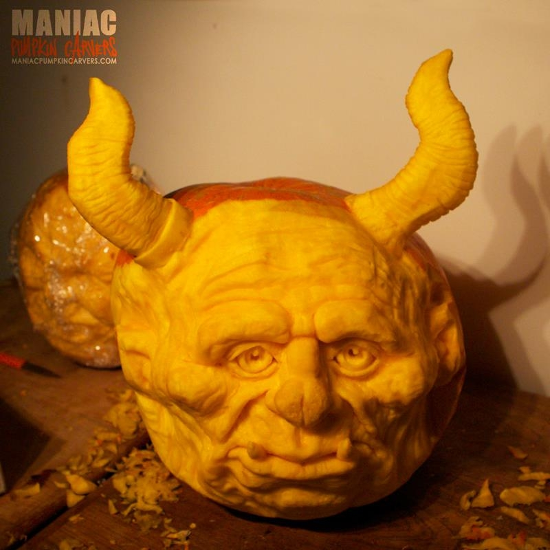 18-Ogre-Maniac-Pumpkin-Carvers-Introduce-Halloween-www-designstack-co