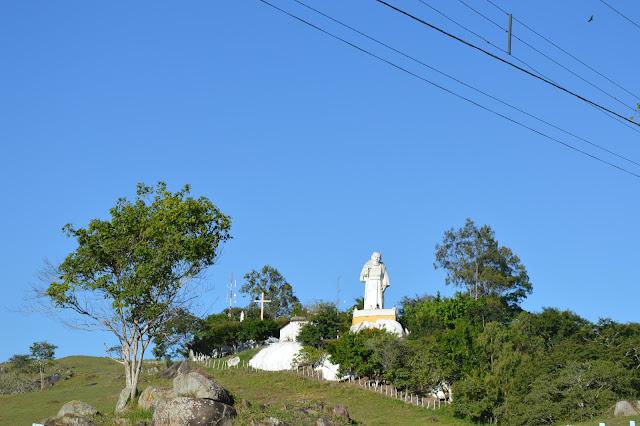 TURISMO: Santuário do Frei Damião começa a receber aumento no número de visitantes.