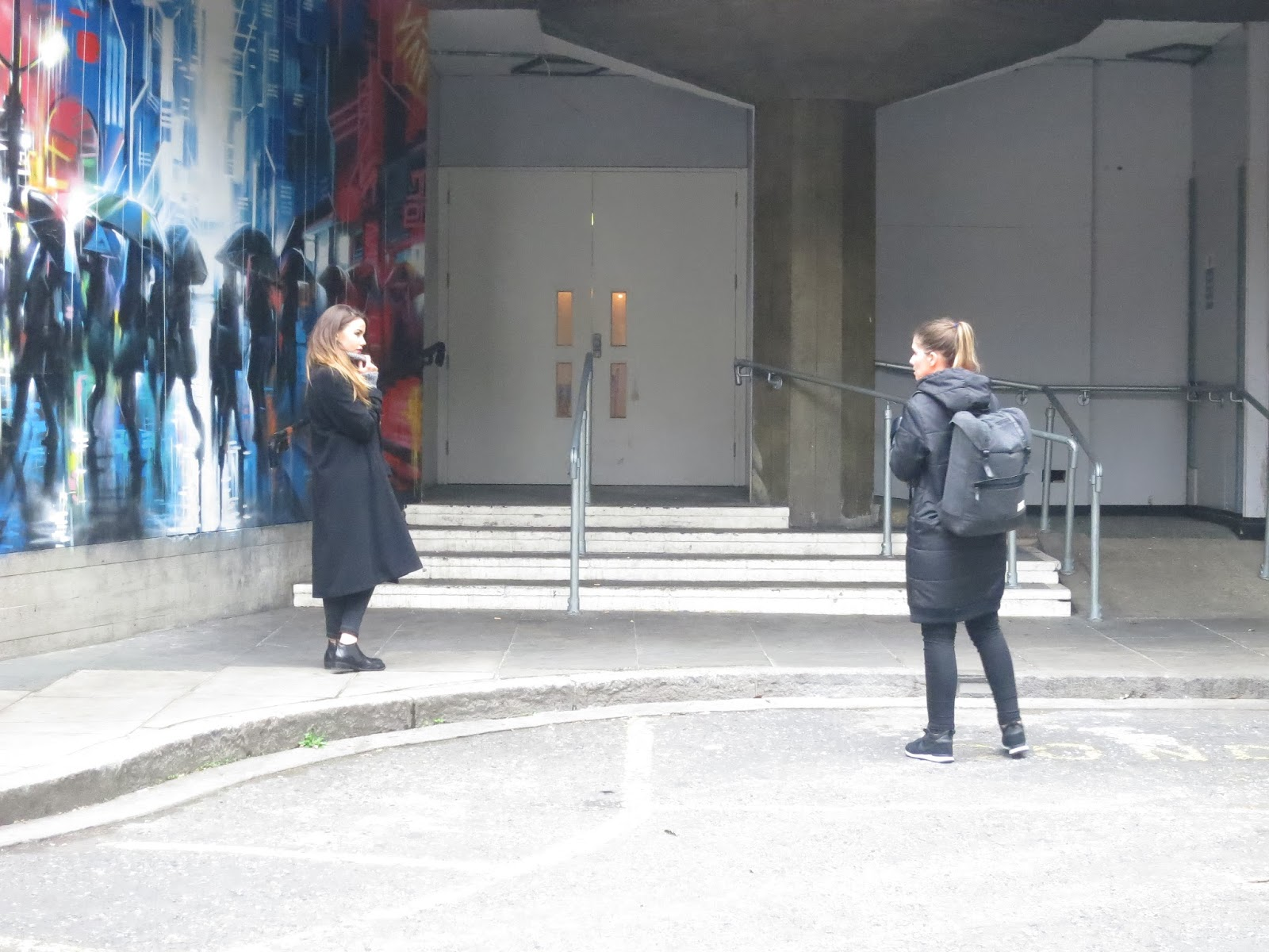 southbank-graffiti-london-photoshoot-fashion-blogger
